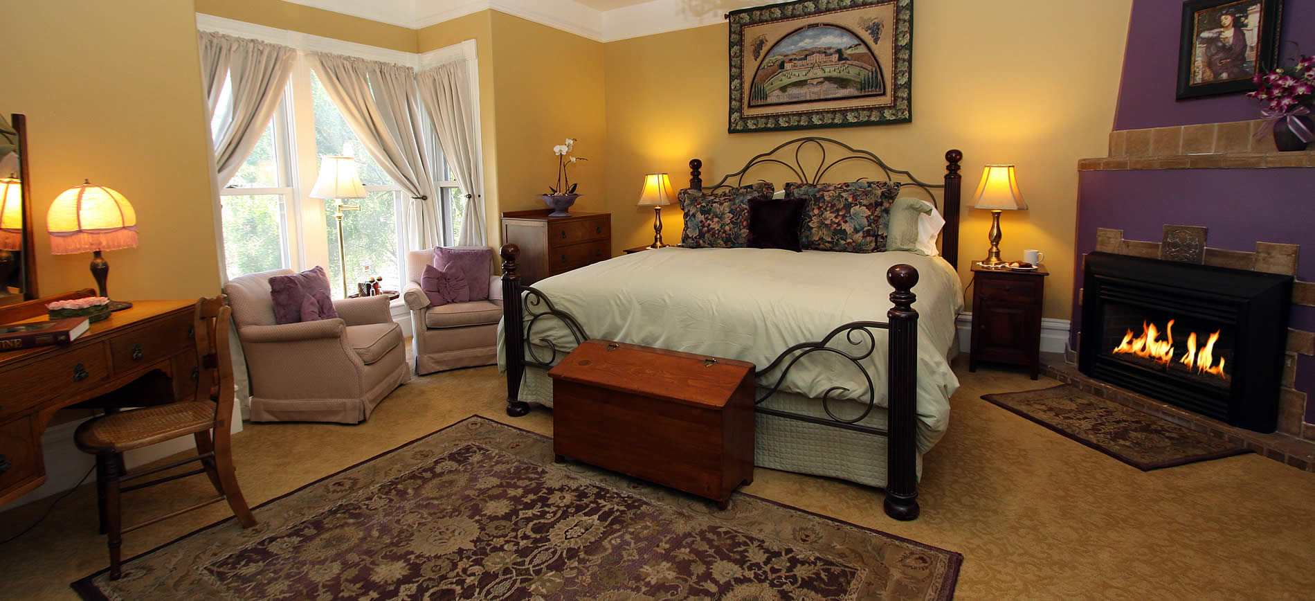 guestroom at napa bed and breakfast inn